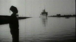 Le Canal de Suez, long de 193 km, a été imaginé au XIXe siècle par un Français, Ferdinand de Lesseps.