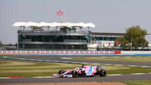 El piloto alemán de Racing Point Nico Hulkenberg, durante la primera sesión de ensayos libres del Gran Premio de Silverstone en Inglaterra, el 31 de julio de 2020, en reemplazo del mexicano Sergio Pérez, contagiado con COVID-19
