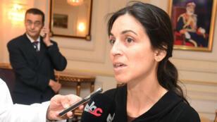 L'employée de la Croix-Rouge, Nourane Houas, lors de son arrivée au sultanat d'Oman.