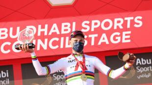 L'Italien Filippo Ganna, vainqueur du contre-la-montre lors de la deuxième étape de l'UAE Tour, le 22 février 2021 autour de l'île d'Al Hudayriyat