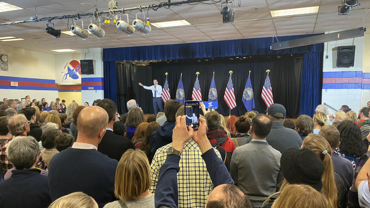 Pete Buttigieg campaign rally in Londonderry, New Hampshire, February 9th, 2020.