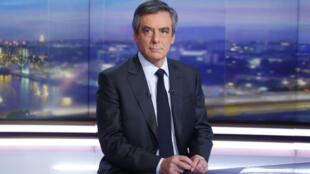 Le candidat à l'élection présidentielle François Fillon était jeudi 26 janvier 2017 l'invité du 20 heures de TF1.