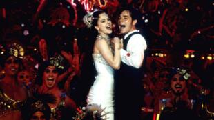 """Le film """"Moulin Rouge"""" de Baz Luhrmann va être adapté en comédie musicale."""