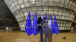 رئيس المجلس الأوروبي شارل ميشال في بروكسل خلال مؤتمر بالفيديو مع قادة الاتحاد الأوروبي في 26 آذار/مارس 2020