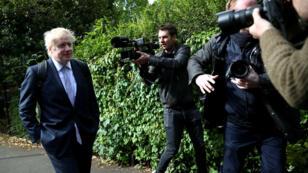 El ex secretario de Relaciones Exteriores británico, Boris Johnson, quien se postula para suceder a Theresa May como primer ministro, deja su hogar en Londres, Gran Bretaña, el 28 de mayo de 2019.