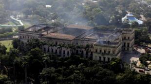 Una vista aérea del Museo Nacional de Brasil después de un incendio que lo quemó en Río de Janeiro, Brasil el 3 de septiembre de 2018.