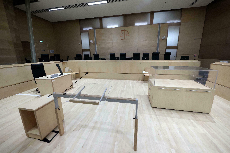 El interior de la sala construida especialmente para el juicio de los atentados del 13 de noviembre, en el Palacio de Justicia de París, el 2 de septiembre de 2021.