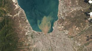 Imagen satelital de la ciudad de Palu, en la isla de Célebes, donde se sintió más fuerte el terremoto.