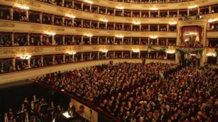 Le théâtre de la Scala de Milan, inauguré en1778, est l'une des scènes les plus mythiques du monde.