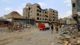 صور الدمار الذي خلفته المعارك في تعز ، اليمن