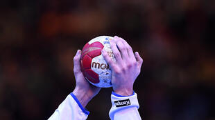 Les handballeurs de Montpellier sont revenus à quatre points du leader parisien grâce à leur victoire à domicile contre Ivry 34 à 26, vendredi lors de la 17e journée du championnat de France