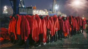 Migrantes rescatados en el puerto español de Málaga, en noviembre del 2018.