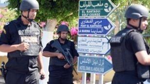 L'état d'urgence permet de renforcer à titre temporaire les pouvoirs de l'armée et des forces de sécurité.