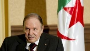 الرئيس الجزائري عبد العزيز بوتفليقة في الجزائر العاصمة في 2 مايو/ أيار 2013