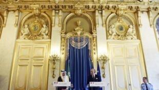 فابيوس خلال مؤتمر صحافي مع نظيره السعودي عادل الجبير في باريس 24 يونيو 2015
