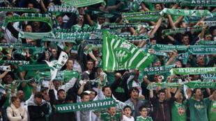 """Les supporters des """"Verts"""" dans leur stade de Saint-Étienne, en octobre 2014."""