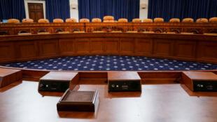 Les démocrates vont faire comparaître au moins 10 témoins en auditions publiques à partir de mercredi 13 novembre 2019.