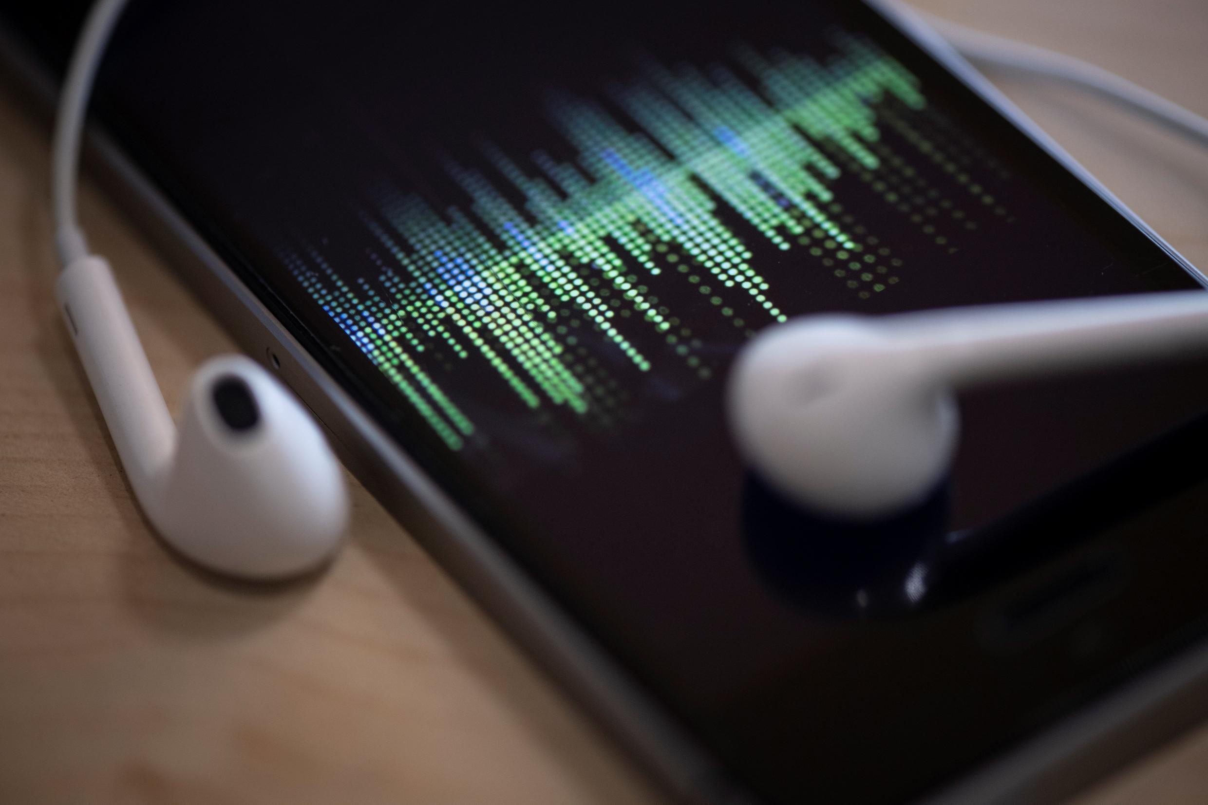 Apple's new podcast subscription option could help the iPhone maker keep more content amid surging growth in the segment from Spotify