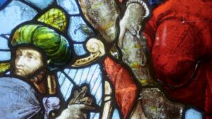 El Centro Internacional del vitral de Chartres comprende de una sala de exposición, una colección de 70 vitrales del Renacimiento, y un espacio de exhibición de vitrales contemporáneos.