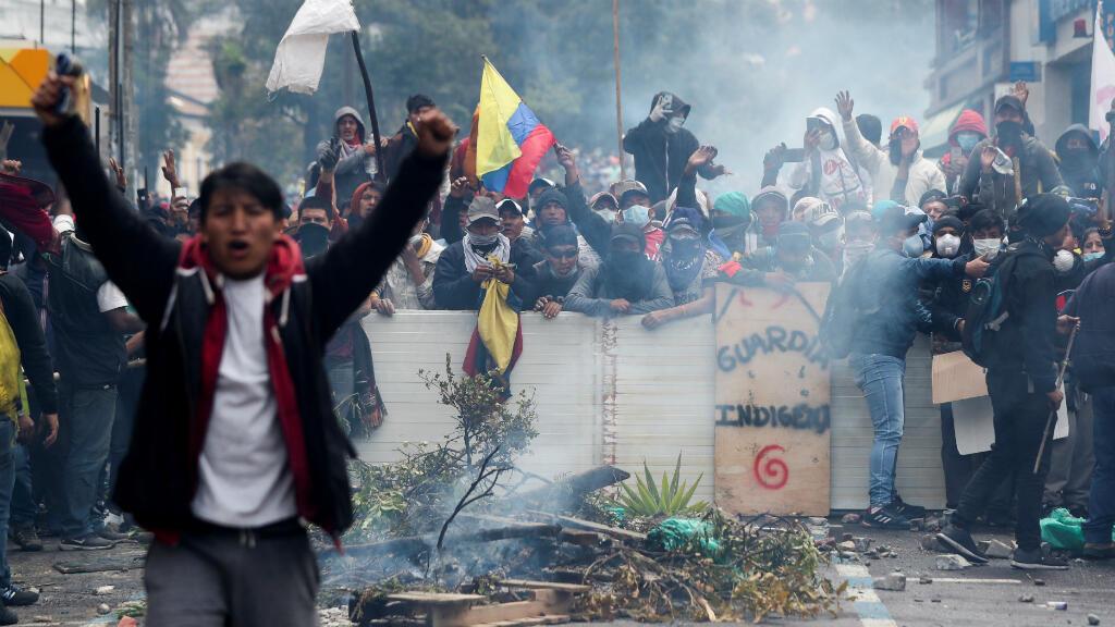 Los manifestantes participan en una protesta contra las medidas de austeridad del presidente de Ecuador, Lenín Moreno, en Quito, Ecuador, el 11 de octubre de2019.