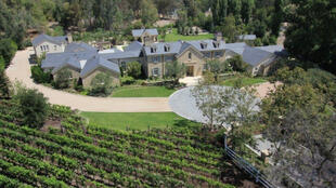 Une photo d'une maison du quartier des stars d'Hidden Hills à Los Angeles, ajoutée par un internaute sur Google Street View.