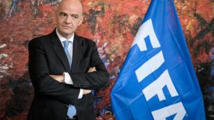 Le président de la Fifa, Gianni Infantino, au siège de l'OMS à Genève, le 4 octobre 2019