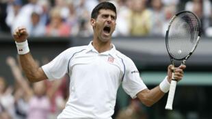 Le Serbe Novak Djokovic a remporté la finale de Wimbledon, le 12 juillet 2015.