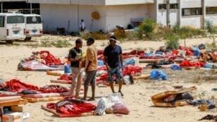 مهاجرون في 3 تموز/يوليو 2019 في مركز احتجاز بتاجوراء، إحدى ضواحي طرابلس