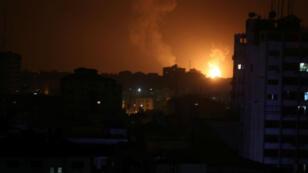 Imagen de una explosión durante el bombardeo de Israel en Gaza. 15 de marzo de 2019.