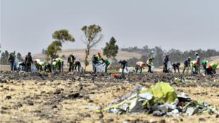 فرق بحث في مكان سقوط الطائرة الإثيوبية، 13 مارس/آذار 2019