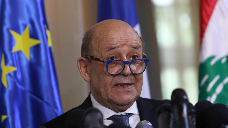 El ministro francés de Asuntos Exteriores, Jean-Yves Le Drian, habla durante una conferencia de prensa en el Ministerio de Asuntos Exteriores en Beirut, Líbano, el 23 de julio de 2020.