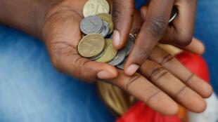 Huit pays d'Afrique de l'Ouest, ainsi que la France, ont décidé une réforme d'envergure du franc CFA, qui va changer de nom pour s'appeler l'Éco.