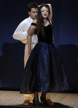 """Charles Castronovo et Irina Lungu, dans le duo du premier acte """"un di, felice, eterea"""" (crédit photo Pascal Victor / Artcomart)"""
