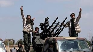 """جنود من قوات """"الجيش الوطني الليبي"""" بقيادة المشير خليفة حفتر 7 أبريل/نيسان 2019"""