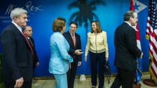 Des membres du Congrès américain en déplacement à La Havane, le 18 février 2015.