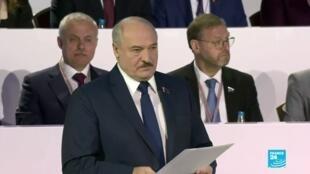 2021-02-12 00:05 Alexander Lukashenko promete reformas constitucionales para  Belarús en 2022