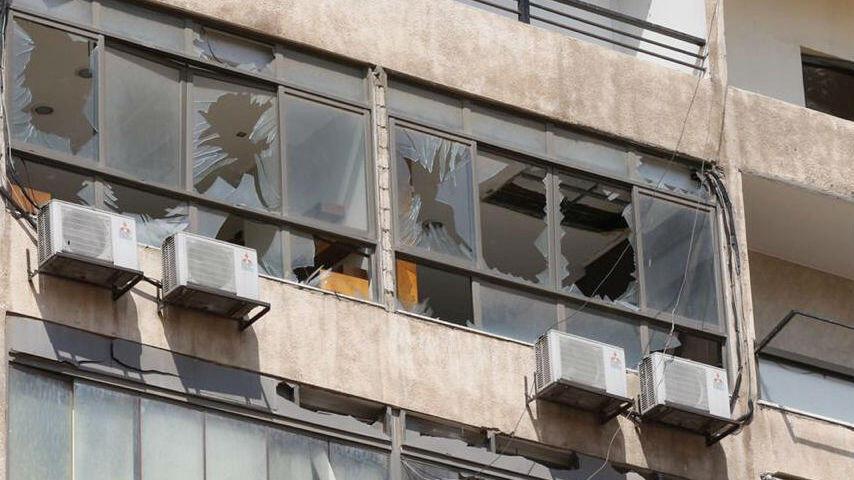 Un dron no tripulado de Israel explotó y causó daños materiales en un edificio al sur de Beirut, Líbano, el 25 de agosto de 2019.