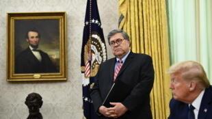 Le procureur général William Barr et le président américain Donald Trump ont tout fait pour se débarrasser de l'un des hommes les plus dangereux pour Donald Trump : le procureur des États-Unis pour le district sud de New York.