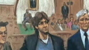 Djokhar Tsarnaev, au centre, lors de son procès a été reconnu coupable mercredi 8 avril 2015.
