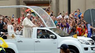 Le pape François a été accueilli à Cracovie, en Pologne, mercredi 27 juillet.