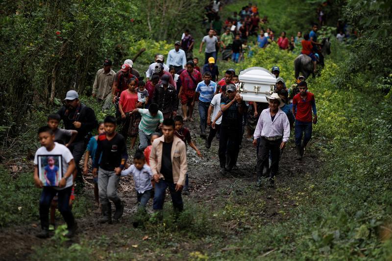 تشييع الطفلة جاكلين التي توفيت في مركز احتجاز أمريكي بإحدى قرى غواتيمالا - 25 ديسمبر 2018