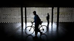 """""""A oscuras"""" se realizarán muchas actividades en cinco estados occidentales tras el plan de racionamiento eléctrico que se adelanta en Venezuela"""
