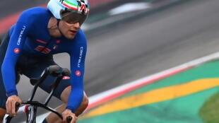 L'Italien Filippo Ganna  lors du contre-la-montre des Championnats du monde de cyclisme sur route, à Imola, le 25 septembre 2020