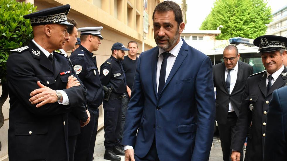 "El ministro francés del Interior, Christophe Castaner, pidió a la policía que ""muestre ejemplaridad""."
