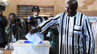 Burkina Faso celebra elecciones presidenciales y legislativas