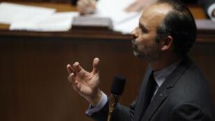 Édouard Philippe s'adressant à l'Assemblée nationale, le 4 décembre 2018.