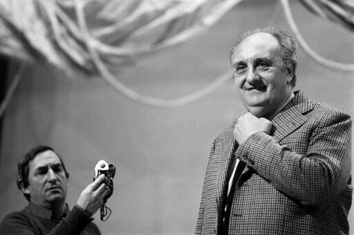 Pierre Tchernia répète pour la nuit des Césars, en 1980, à la Salle Pleyel.
