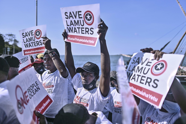 Pescadores kenianos reclaman por su derecho a trabajar en aguas del archipiélago Lamu en medio del diferendo marítimo ante la Corte Internacional de Justicia de La Haya entre su país y Somalia por la frontera común en el océano Índico