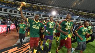 لاعبو الكاميرون يحتفلون بفوزهم بالكأس الأفريقية 2017