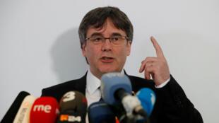 Carles Puigdemont habla en una rueda de prensa en una imagen de archivo en Berlín, Alemania, en febrero de 2019.